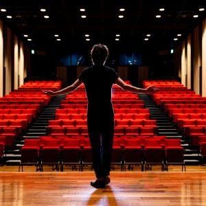Den Platz auf der Bühne nutzen